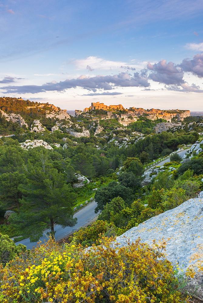 View over the valley to Les Baux-de-Provence, Bouches du Rhone, Provence, Provence-Alpes-Cote d'Azur, France, Europe