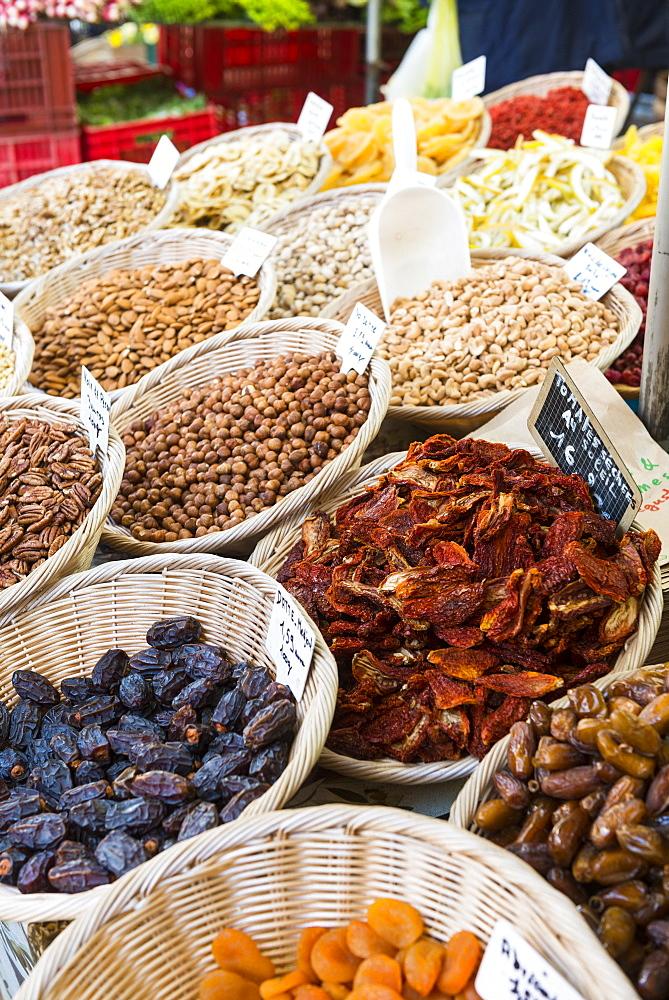 Dried fruits, Aix en Provence, Bouches du Rhone, Provence, Provence-Alpes-Cote d'Azur, France, Europe