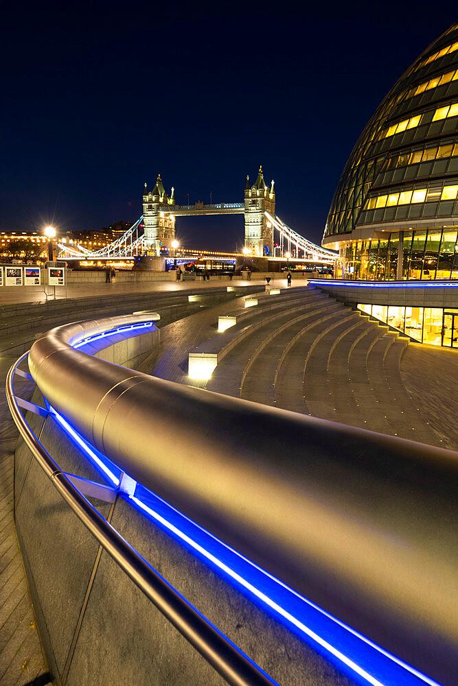 Tower Bridge at night - 1186-753