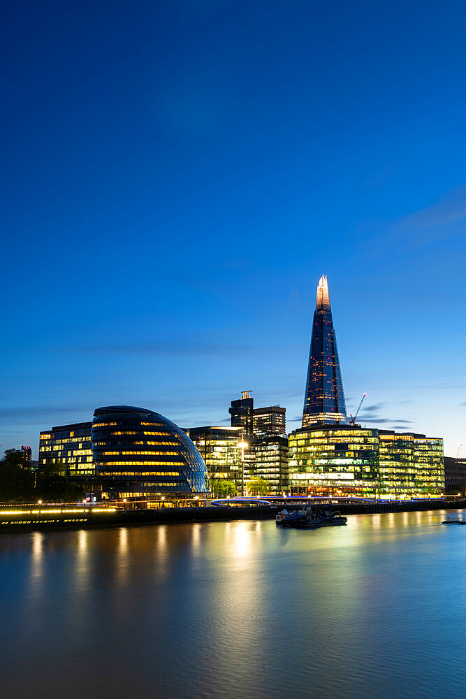 South banks and the Shard reflecting in the river - 1186-760