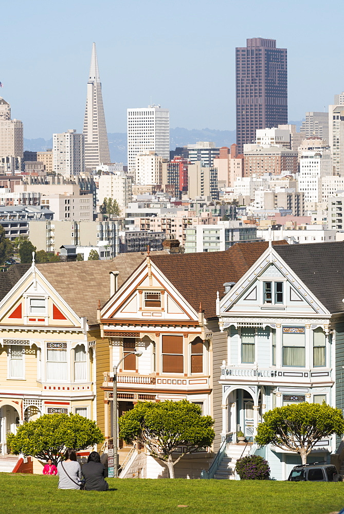 Painted Ladies in Alamo Square, San Francisco, California, United States of America, North America