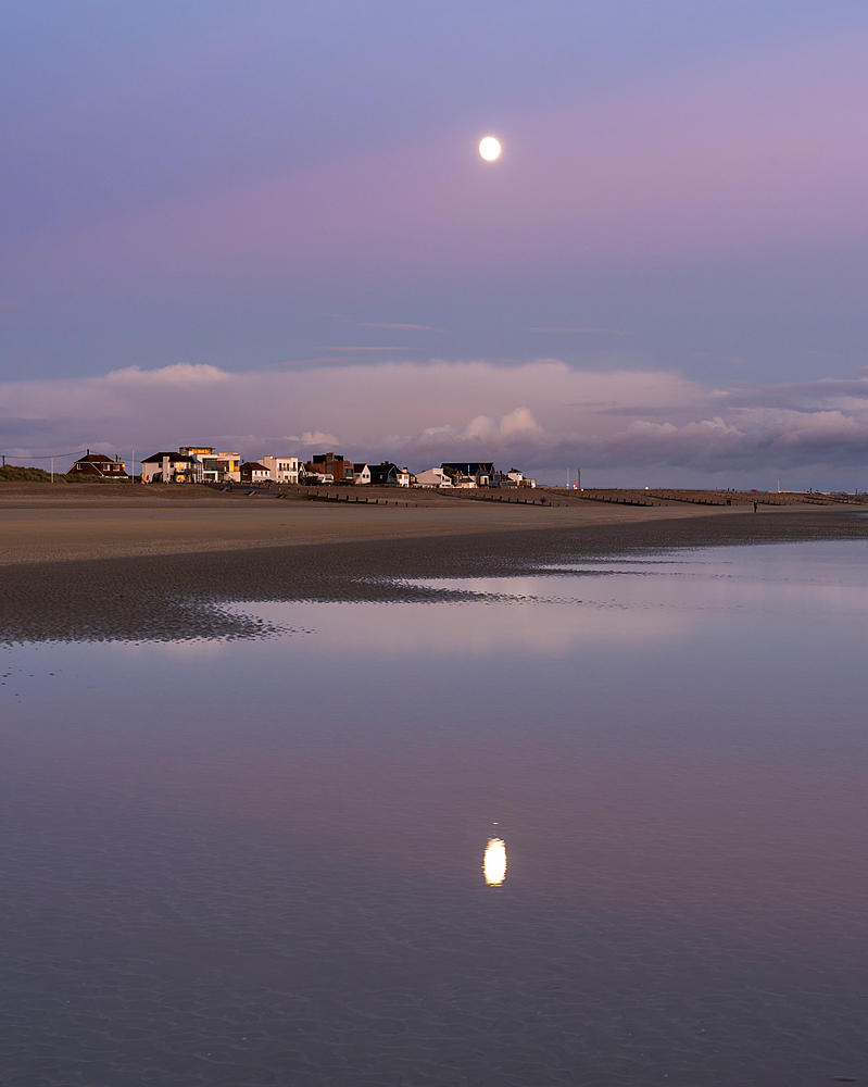 Moonrise, Camber Sands, East Sussex, England, United Kingdom, Europe