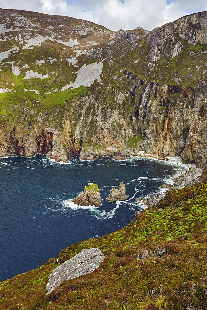 The cliffs at Slieve League, near Killybegs, County Donegal, Ulster, Republic of Ireland, Europe - 1202-127