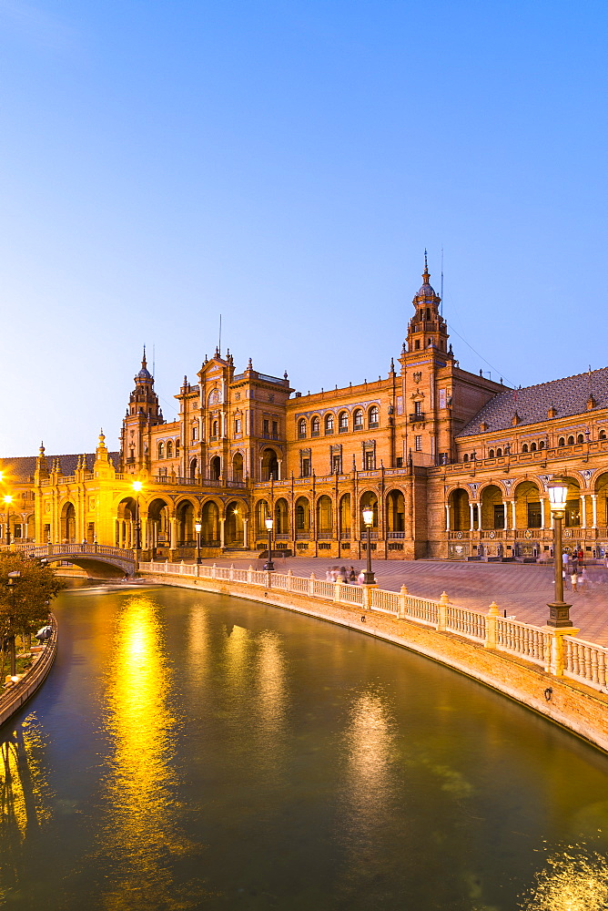 Plaza de Espana at dusk, built for the Ibero-American Exposition of 1929, Seville, Andalucia, Spain, Europe - 1207-228