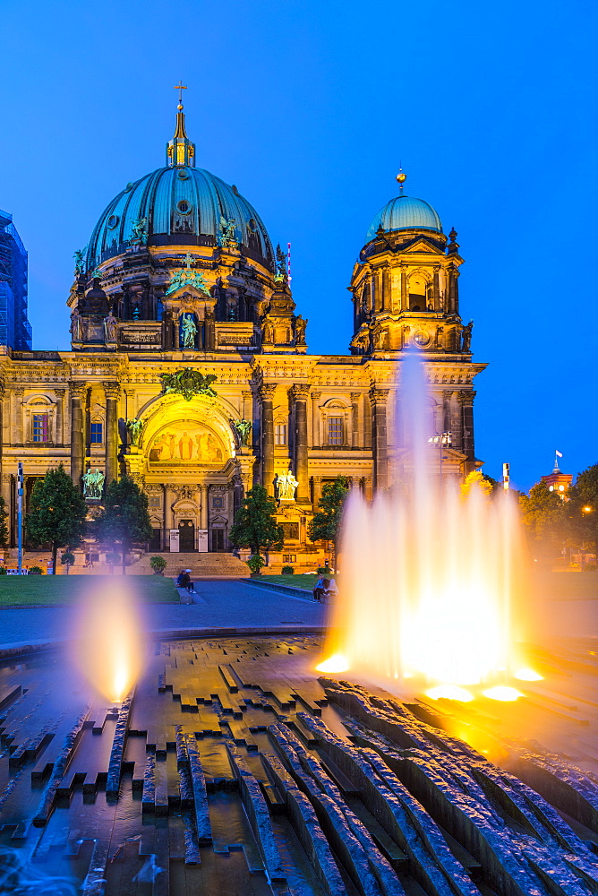 Berliner Dom (Berlin Cathedral) on the River Spree at night, Berlin, Germany, Europe - 1207-557