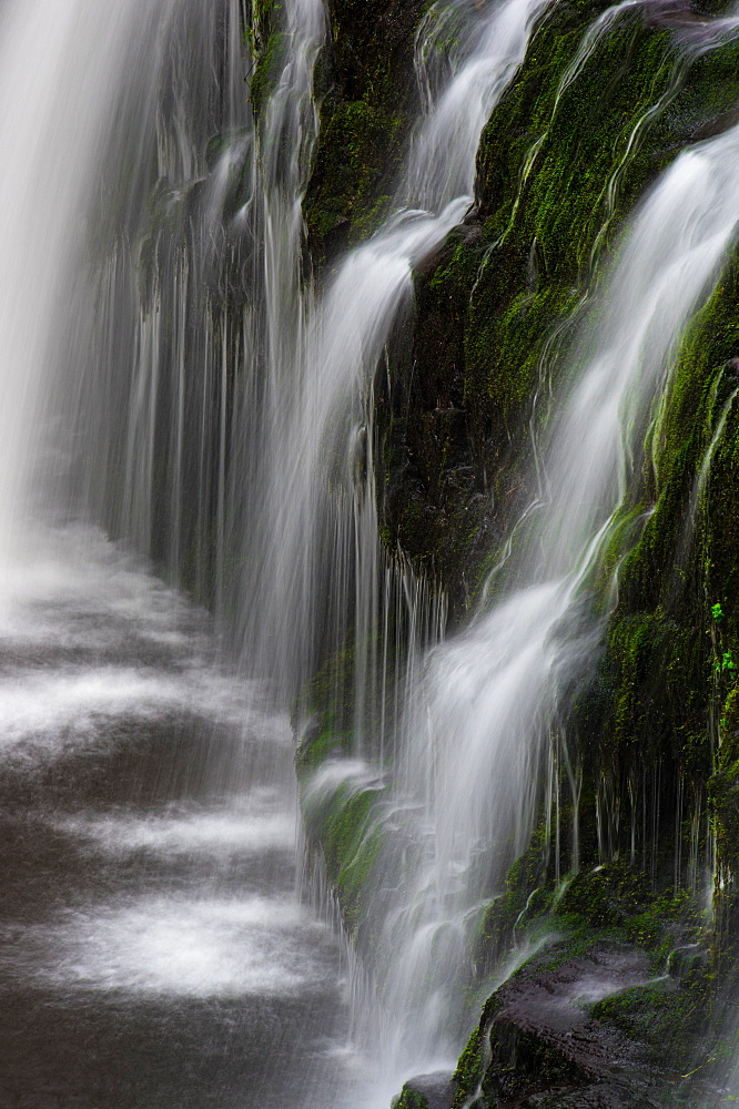 Sgwd y Pannwr waterfall, Pontneddfechan, Brecon Beacons, Powys, Wales, United Kingdom, Europe