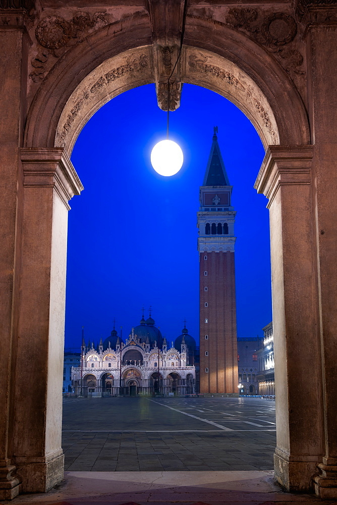 Campanile tower, Piazza San Marco (St. Marks Square) and Basilica di San Marco, at night, Venice, Italy, Europe - 1216-387