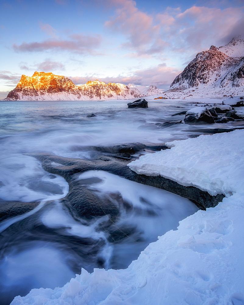 Uttakleiv Beach in winter, Lofoten Islands, Nordland, Arctic, Norway, Europe - 1216-424