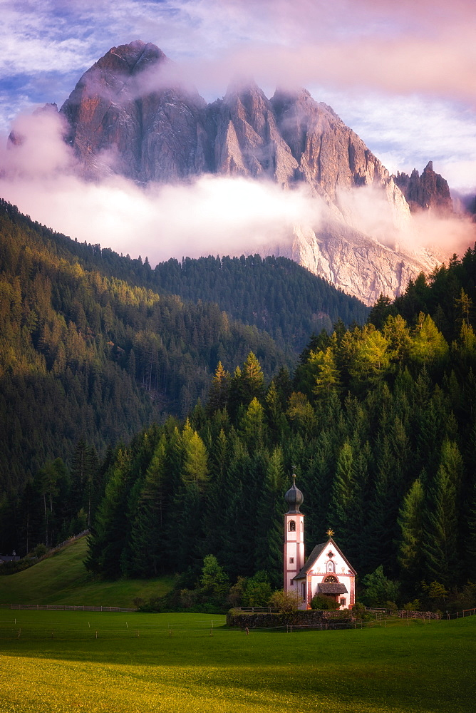 Chiesetta (Church) di San Giovanni, Dolomites, Italy, Europe