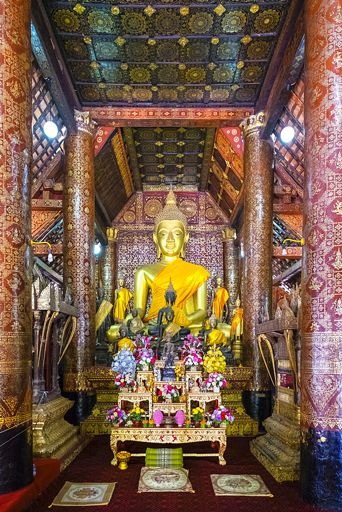 Main altar, interior of Wat Xieng Thong Buddhist temple, UNESCO World Heritage Site, Luang Prabang, Louangphabang Province, Laos, Indochina, Southeast Asia, Asia