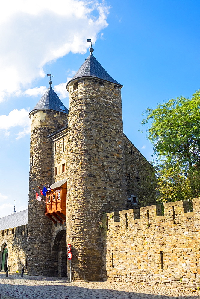Helpoort, old city gate and towers, Maastricht, Limburg, Netherlands, Europe