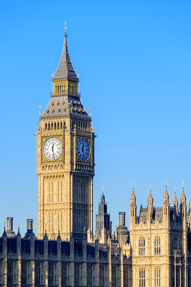 United Kingdom, England, London. Clock tower of Big Ben (Elizabeth Tower) above Palace of Westminster, the houses of Parliament.