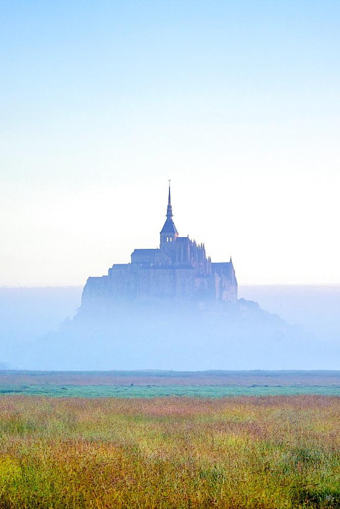 Le Mont-Saint-Michel at dawn, UNESCO World Heritage Site, Manche Department, Normandy, France, Europe - 1217-403