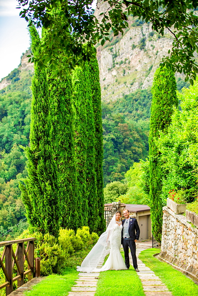 Couple Posing at the Castello di Rossino in Lake Como, Italy. - 1218-758