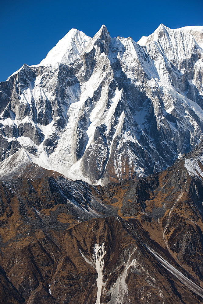 Peaks seen from the top of the Larke La, the highest point of the Manaslu circuit trek, Nepal, Himalayas, Asia
