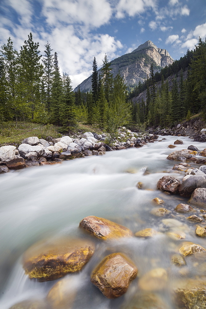 Rampart Creek in Banff National Park, Alberta, Canada. nature, landscape, travel, creek, mountains, Banff, river, Rocky Mountain