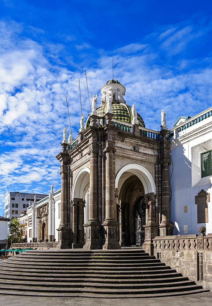 Metropolitan Cathedral of Quito at Independence Square (Plaza Grande), Quito, Pichincha Province, Ecuador, South America