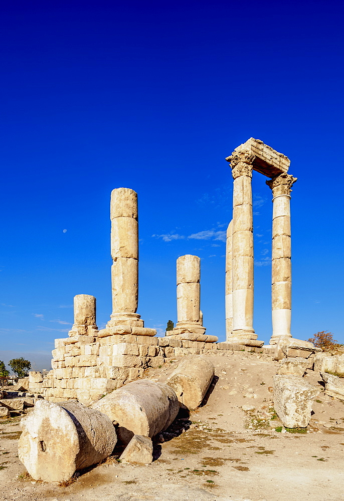 Temple of Hercules ruins, Amman Citadel, Amman Governorate, Jordan, Middle East