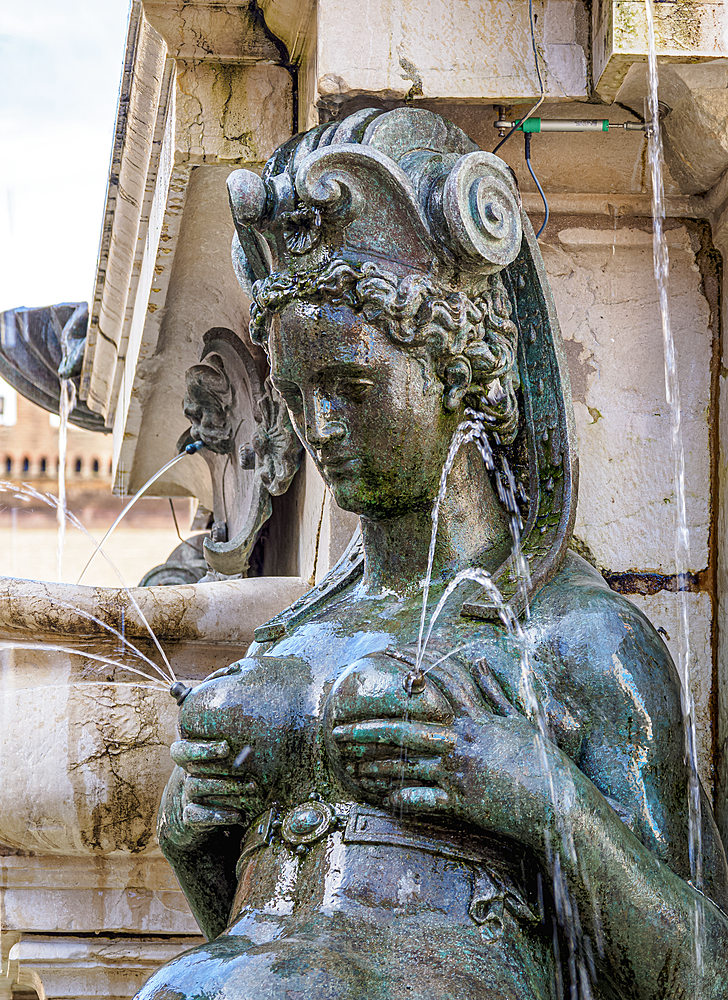 Fountain of Neptune, detailed view, Piazza del Nettuno, Bologna, Emilia-Romagna, Italy