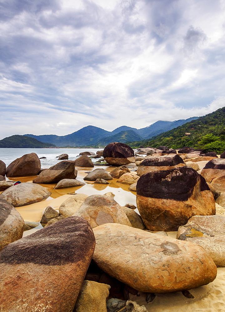 Rocks on the Cepilho Beach, Trinidade, Paraty Zone, State of Rio de Janeiro, Brazil, South America