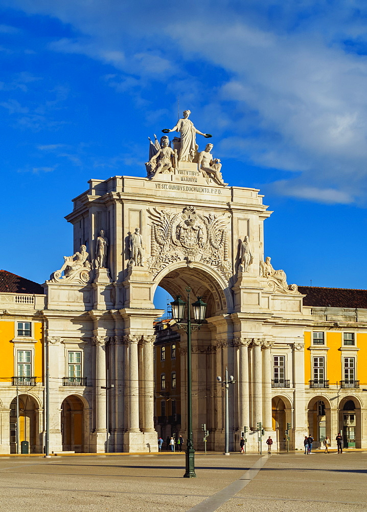 View of the Rua Augusta Arch, Praca do Comercio (Commerce Square), Lisbon, Portugal, Europe