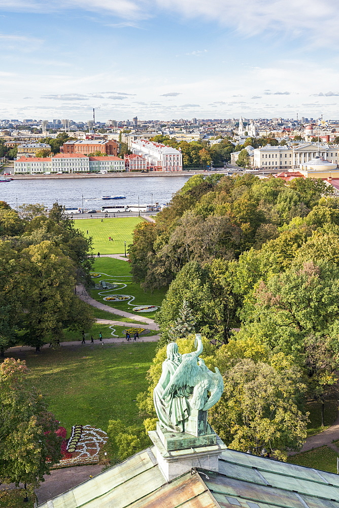 Statue of Saint Isaac's Cathedral with Alexander Garden and Neka River in the background. Saint Petersburg, Russia. - 1251-442