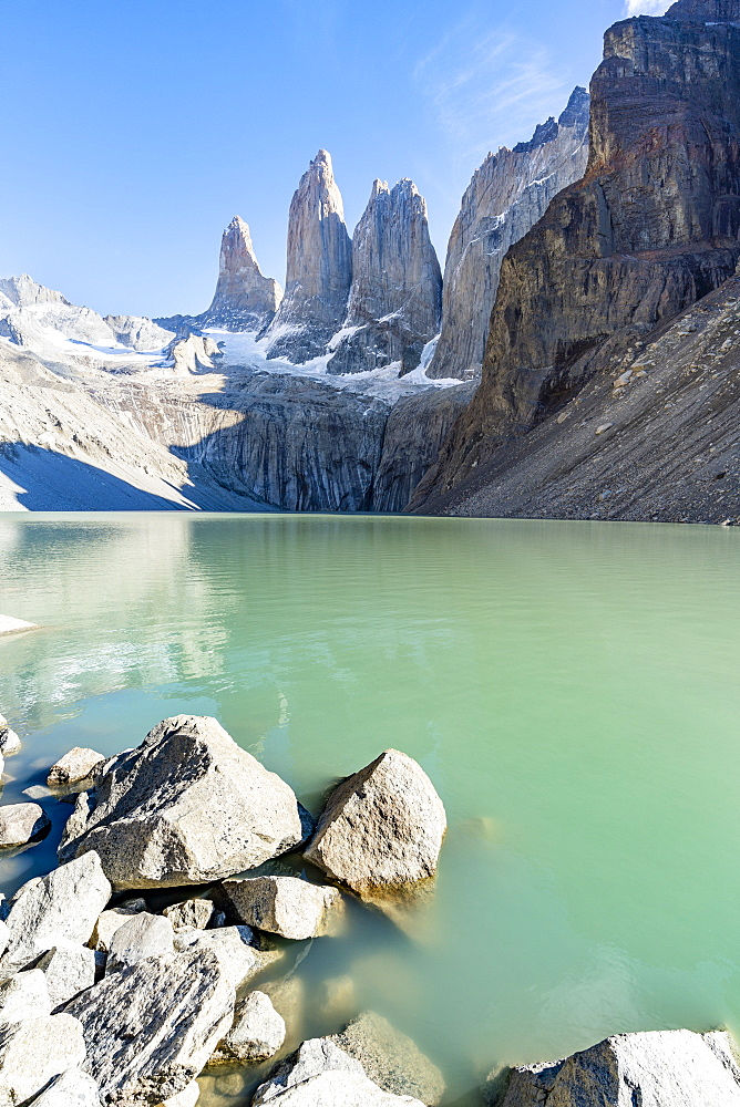 Mirador Base Las Torres, glacial green lake and the Three Towers in the background, Torres del Paine National Park, Chile, South America
