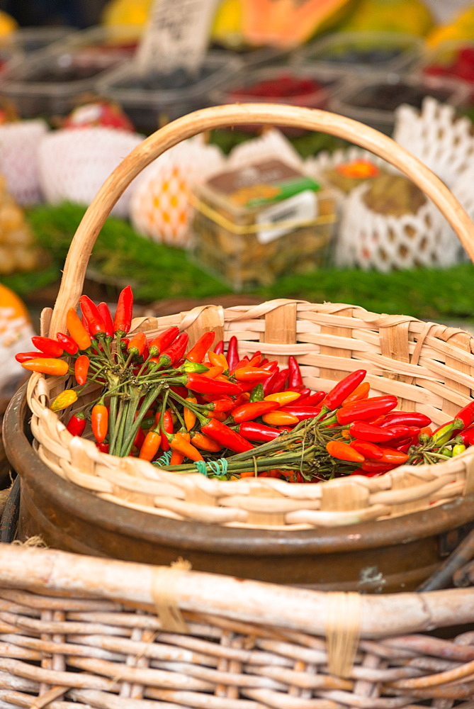 Chilli peppers on display at Campo de Fiori Market, Rome, Lazio, Italy, Europe - 1267-309