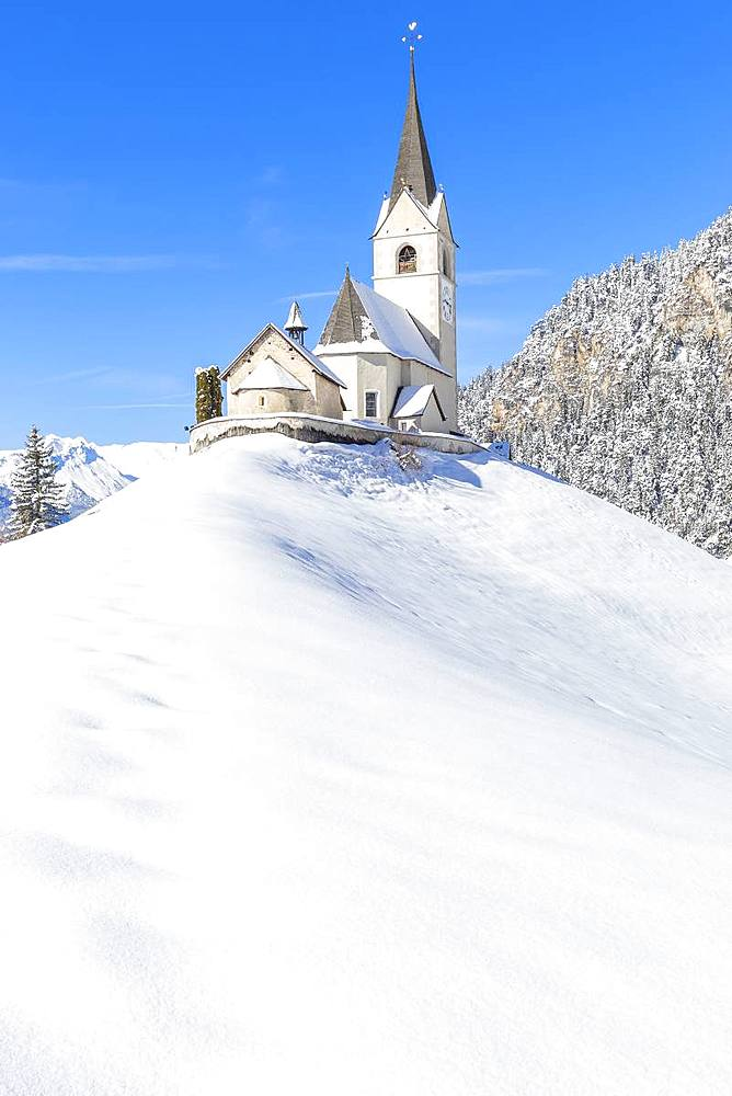 Typical church of Davos Wiesen in winter, Albula Valley, District of Prattigau/Davos, Canton of Graubünden, Switzerland, Europe. - 1269-173