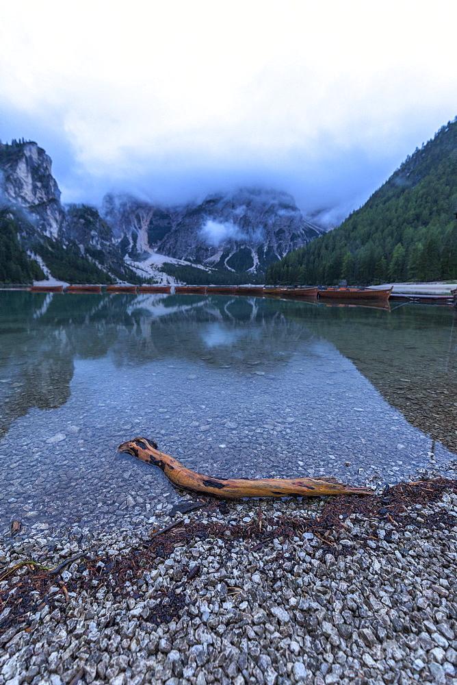 Cloudy morning at Braies Lake (Pragser Wildsee), Braies (Prags), South Tyrol, Dolomites, Italy, Europe