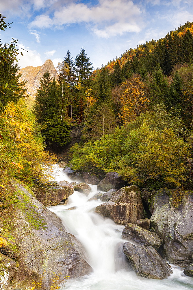 Waterfall in the Bagni di Masino reserve in autumn, Valmasino, Valtellina, Lombardy, Italy, Europe - 1269-648
