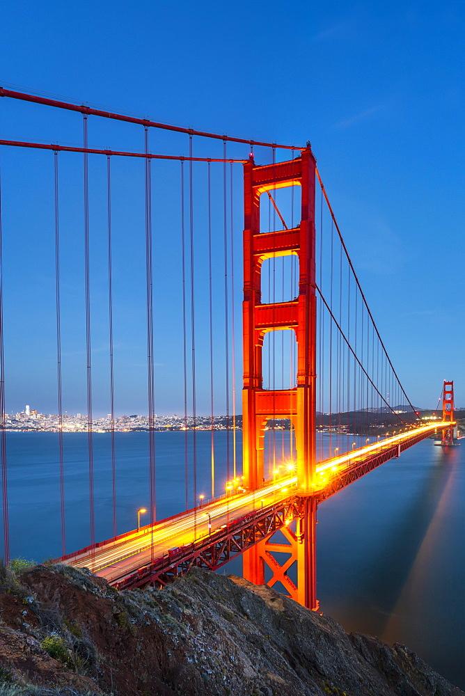 View of Golden Gate Bridge from Golden Gate Bridge Vista Point at dusk, San Francisco, California, USA, North America - 1276-431