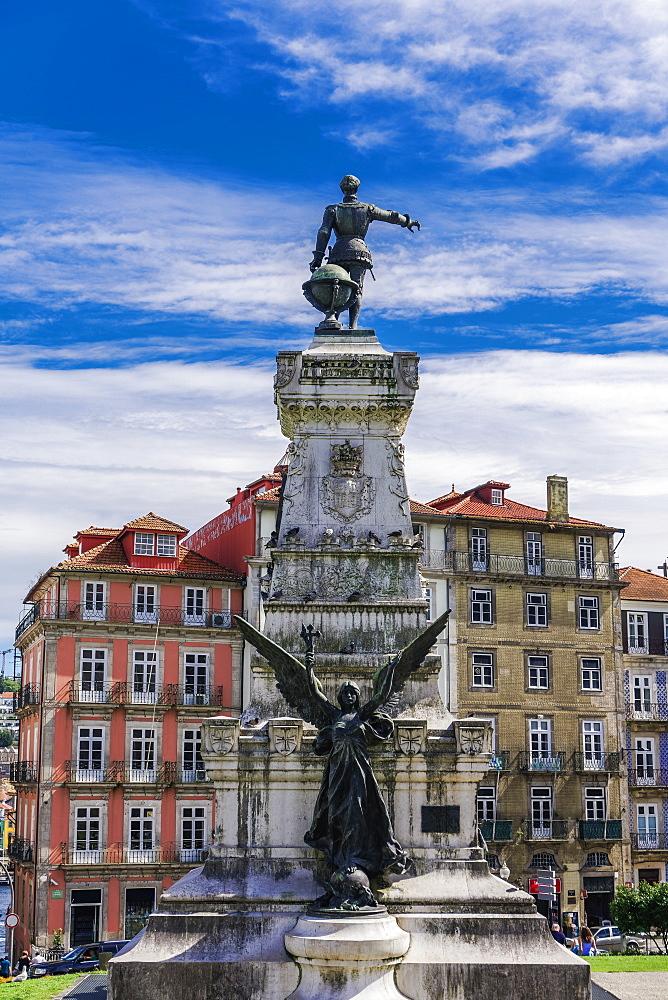 Statue of Prince Henry The Navigator (Monumento ao Infante Dom Henrique), on monument erected 1894, Palacio da Bolca, Porto, Portugal, Europe