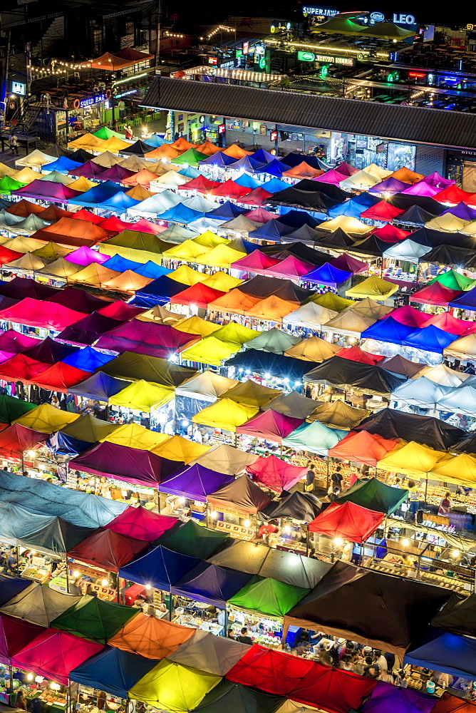 Colourful food stalls and tents at the Ratchada Night Train Market in Bangkok, Thailand, Southeast Asia, Asia - 1281-4