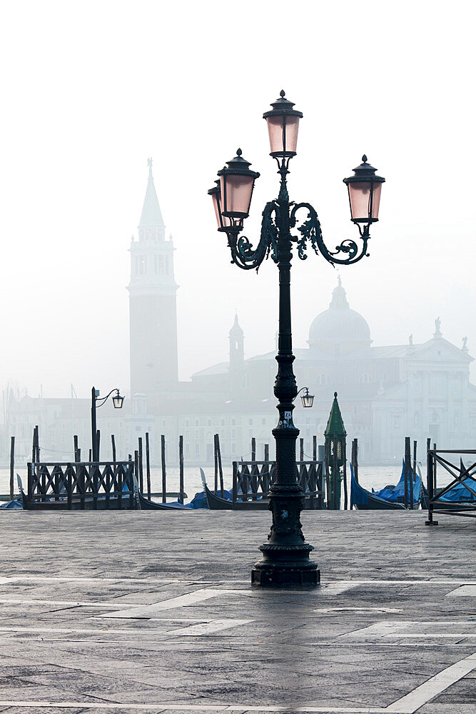 Lamp and St. Mark's Square with Grand Canal and Church of San Giorgio Maggiore in the background, Venice, UNESCO World Heritage Site, Veneto, Italy, Europe