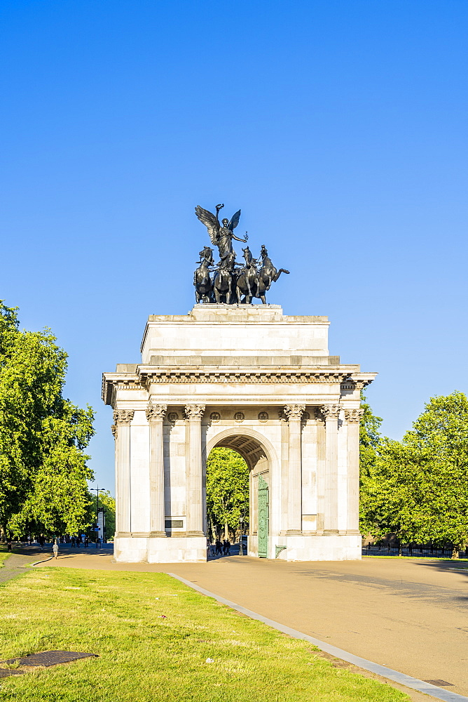 Wellington Arch in Hyde Park Corner, London Uk Europe - 1297-1193