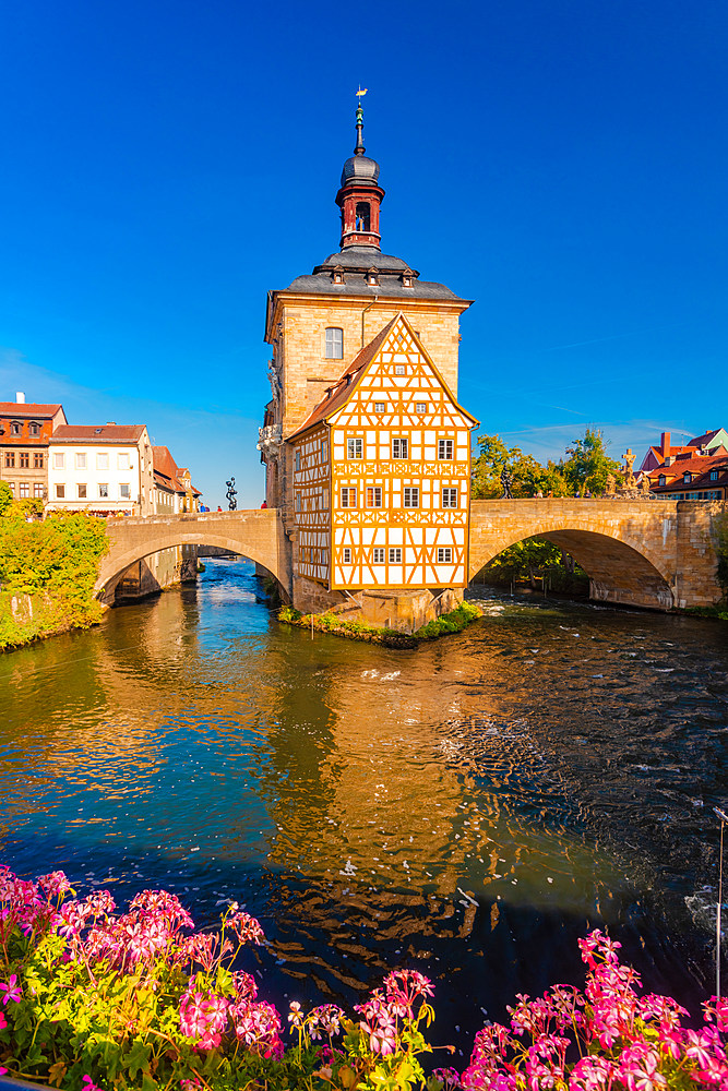 Old townhall with Geyersworthsteg wooden bridge, Bamberg, UNESCO World Heritage Site, Bavaria, Germany, Europe