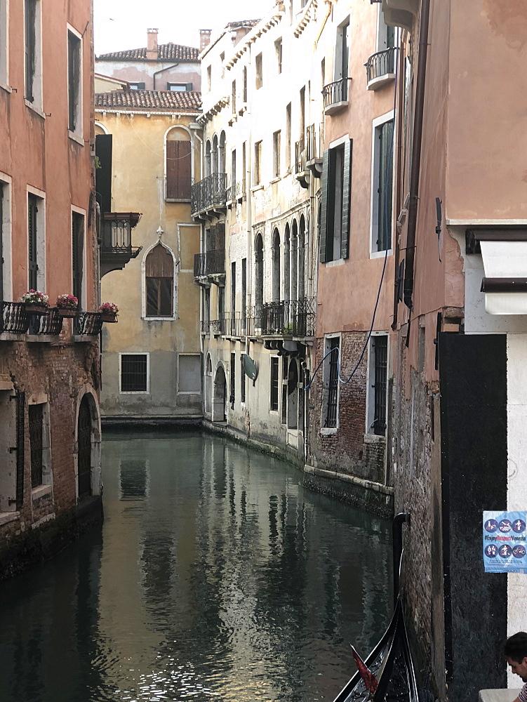 Quiet canal, Venice, UNESCO World Heritage Site, Veneto, Italy, Europe