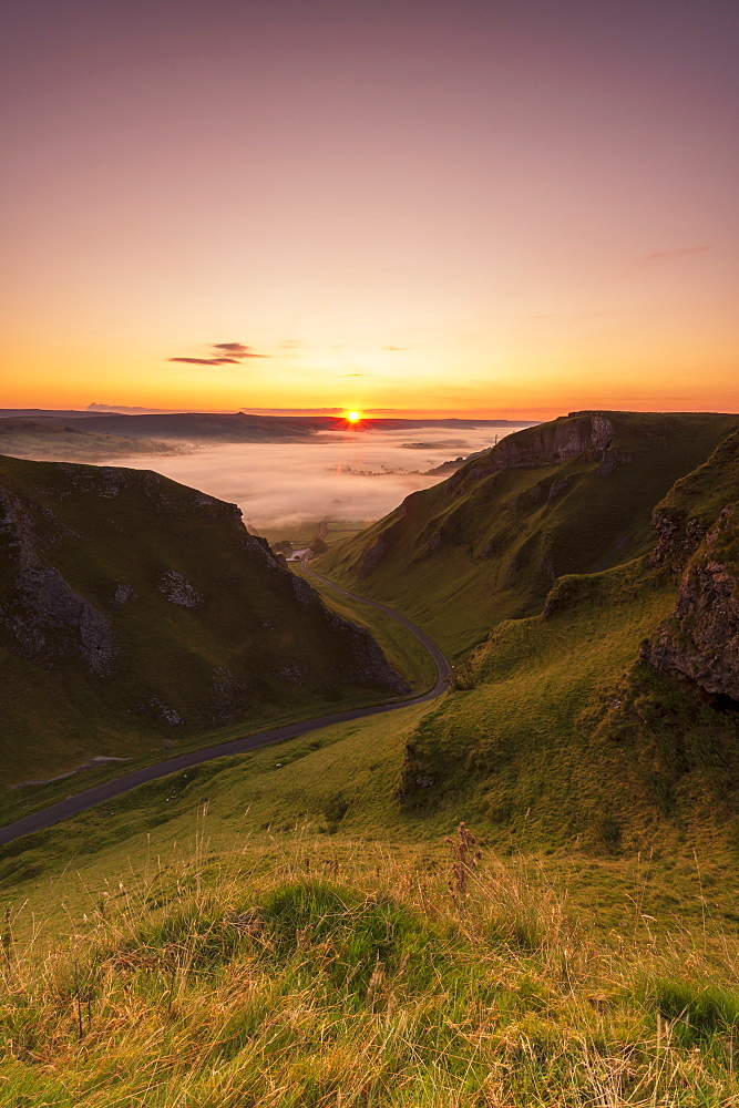 Winnats Pass at sunrise, Hope Valley, Edale, Peak District, Derbyshire, England, United Kingdom, Europe