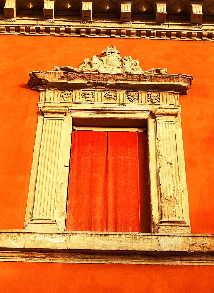 Window detail, Archiginnasio, Piazza Galvani, Bologna, Emilia-Romagna, Italy, Europe