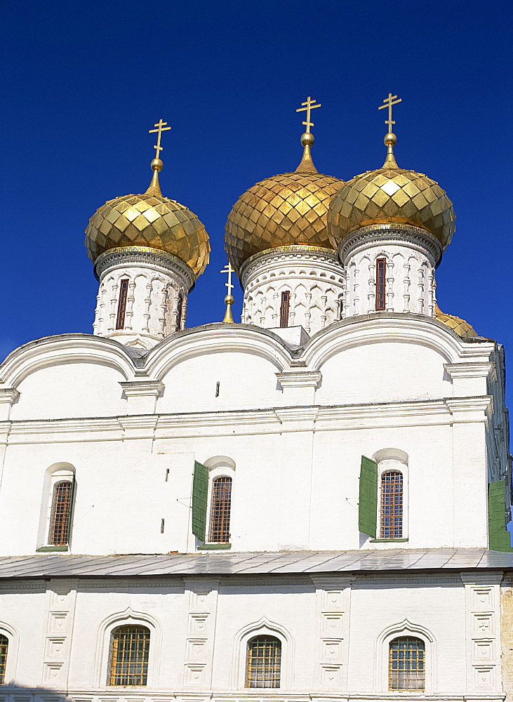 The Trinity Cathedral with its golden domes in the Ipatiev Monastery at Kostroma, the Golden Ring, Russia, Europe