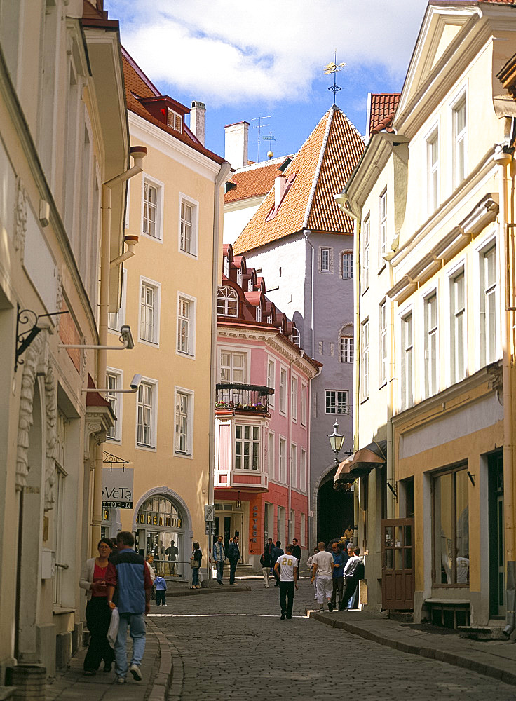 Shopping street, Tallinn, Estonia, Baltic States, Europe
