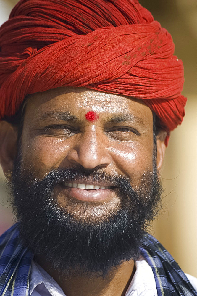 An Indian man in a traditional turban, Jaipur, Rajasthan, India, Asia