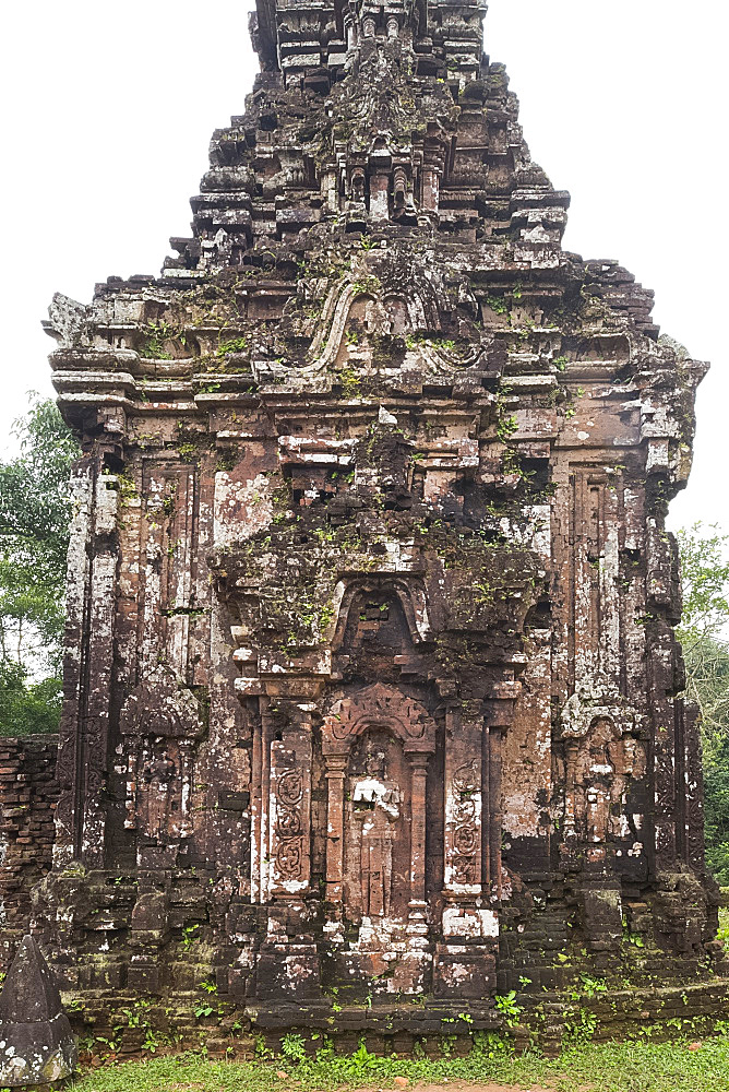 Stone carvings on monument B4 one of the Cham Temple ruins at the My Son Sanctuary, UNESCO World Heritage Site, Quang Nam Province, Vietnam, Indochina, Southeast Asia, Asia