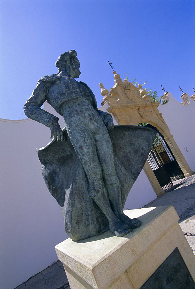Matador statue outside the bull ring, Ronda, Andalucia (Andalusia), Spain, Europe