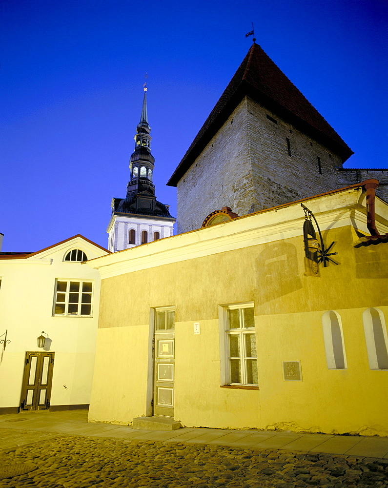 Old Town at dusk, UNESCO World Heritage Site, Tallinn, Estonia, Baltic States, Europe