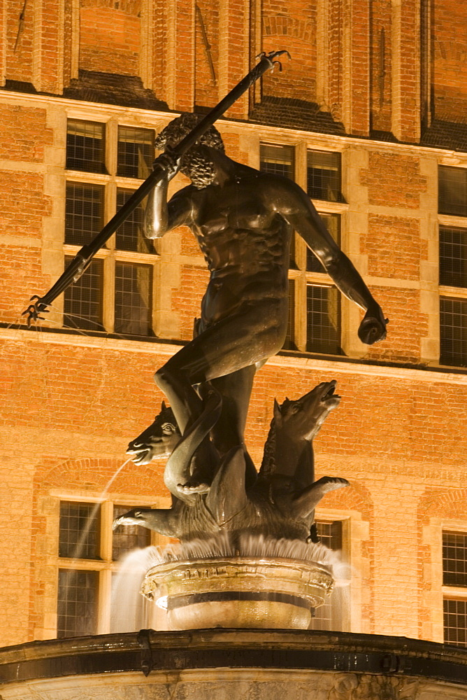 The Neptune Fountain, Dlugi Targ (Long Market), Gdansk, Pomerania, Poland, Europe