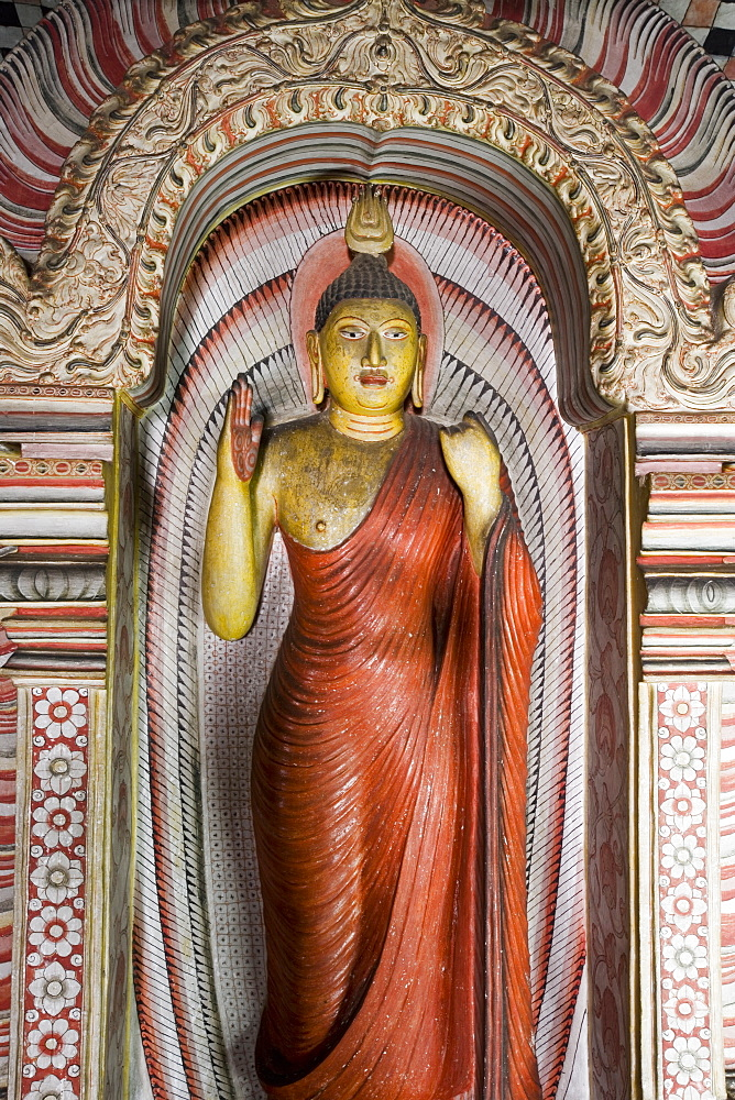 Standing Buddha statue, Maharaja Viharaya Cave, the Temple of the King, Cave Temples, Dambulla, Sri Lanka, Asia