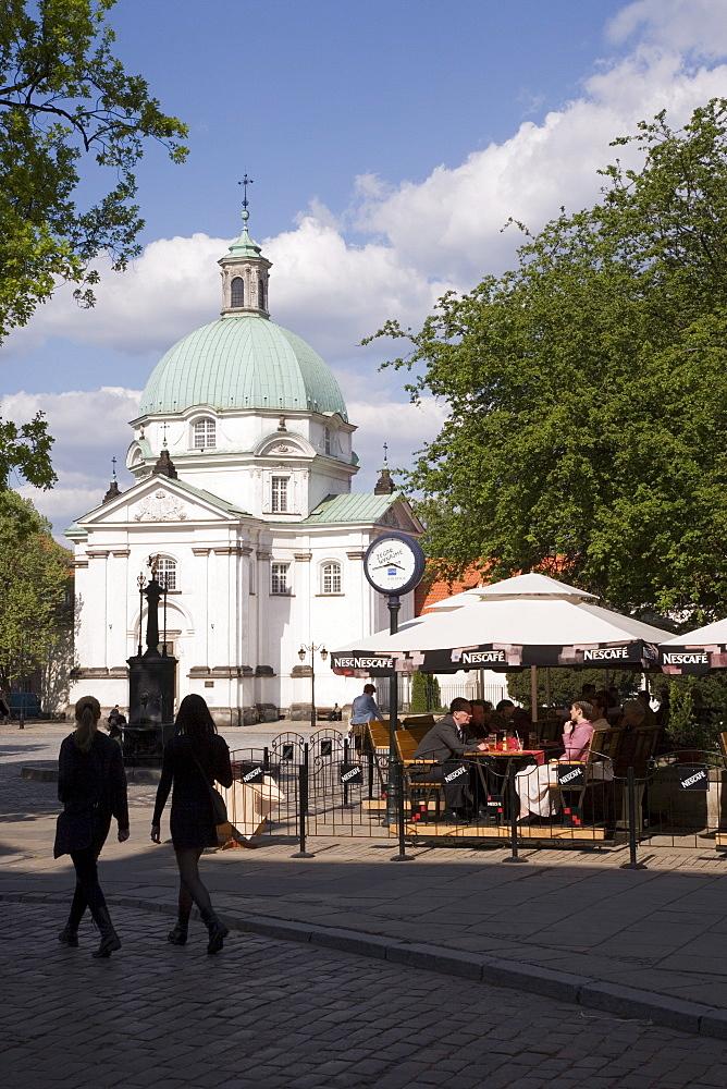 New Town Square (Rynek Nowego Miasto) and the Church of the Nuns of the Holy Sacrament, The New Town (Nowe Miasto), Warsaw, Poland, Europe