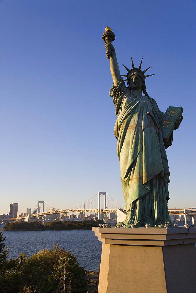 Replica Statue of Liberty, Tokyo Tower, Rainbow Bridge, Tokyo Bay, Tokyo, Japan, Asia
